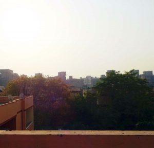 デリーの朝~シャルマ家の屋上から